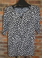 George Black and White Top Sz L 12-14 Stretchy Pullover Knit Shirt w/Neck Detail