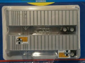 HO 1:87 Athearn # 70961 -  40' Fruehauf Ext. Post Z-Van Trailers  (2 pcs.) - San