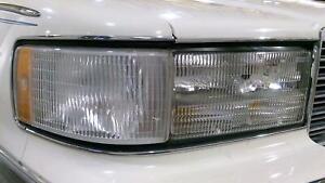 93-96 Cadillac Fleetwood Passenger RH Headlamp W/ Marker Lamp & Mount Panel