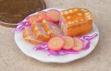 1:12 Scale Gala Pie On A 2.5cm Ceramic Plate Dolls House Small Food Accessory T