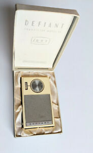 VINTAGE DEFIANT Transistor RADIO Model A4 collectable small antique men his gift