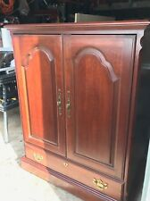 New listing Tv cabinet