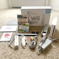 Nintendo Wii White RVL-001 Wii Sports Box Bundle + Wii Play GameCube Compatible