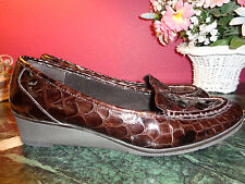 "LIZ CLAIBORNE FLEX brown leather embossed crocodile wedge 1.5"" size 10M xlnt."