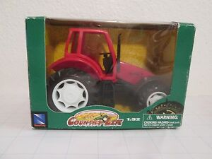 BNIB Country Life Red Farm Tractor 1:32 NEW