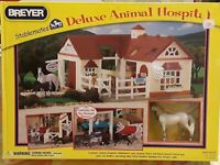BREYER HORSE Stablemates DELUXE Animal Hospital Play Barn 6 Animals [2010] NEW