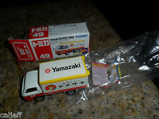 1/78 SCALE # 49 YAMAZAKI DELIVERY TRUCK TOMY TOMICA 1ST EDITION  MINT BOX