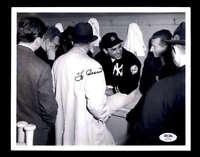 Yogi Berra Rare PSA DNA Coa Hand Signed 8x10 Photo Autograph