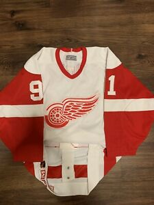 CCM Sergei Fedorov Detroit Red Wings Authentic NHL Hockey Jersey 44 White Home