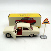 Atlas 1:43 Dinky Toys 1428 PEUGEOT 304 white Diecast Models Limited Edition