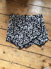 Brave Soul Size Small Black Floral Hotpant Shorts (f3)