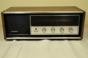 Vintage Panasonic Model RE-7369 AM/FM Table Radio Solid State Retro Working