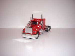 DCP FIRST GEAR 1/64 RED MACK SUPER-LINER WITH 60'' FLATTOP SLEEPER