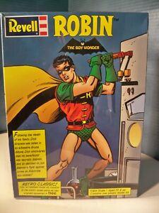 Revell Robin Model Kit 85-3637 New Sealed 1999 Batman