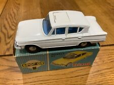 Spot On Triang 259 Ford Consul Classic Boxed White With Blue Interior