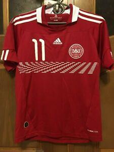 DENMARK NATIONAL 2010 2011 FOOTBALL SHIRT BENDTNER  ADIDAS ORIGINAL P4709 KIDS