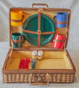 Vintage Retro Picnic Basket Set 1990s