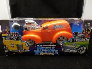 Muscle Machines '40 Sedan Delivery 1:18 Orange New Die Cast Ford