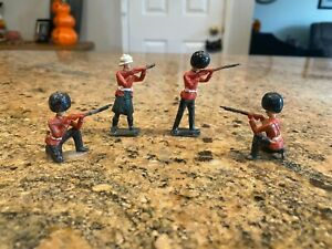 4 SAE union of South Africa lead toy soldiers Red Coats black hats.