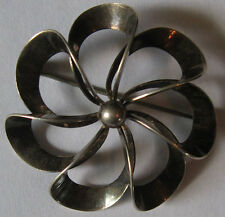 NE FROM DENMARK VINTAGE STERLING SILVER DIMENSIONAL PINWHEEL PIN BROOCH