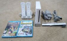 Nintendo Wii (Console RVL-001) Bundle With 2 Games (Mine Craft) & Charging Stand