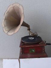 Ancien gramophone à pavillon à reviser ( his Master's Voice)