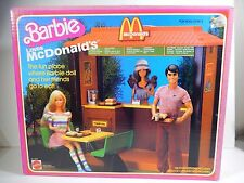 NIB BARBIE LOVES MCDONALD'S RESTAURANT PLAY SET MATTEL 1982 SEALED