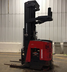 Forklift Reach Truck Raymond Electric 4,500 Lbs Capacity