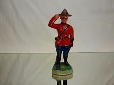 VINTAGE STATUE ROYAL CANADIAN MOUNTED POLICE CANADA - H14.5cm  - GOOD - CERAMIC