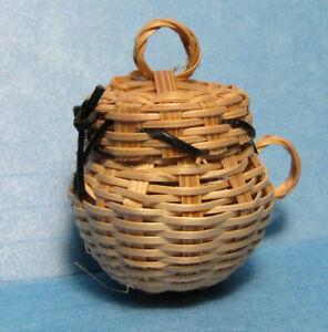 "MINI BURI POT-covered wicker pot /detachable lid  1 3/8"" h  dollhouse decor 1:12"
