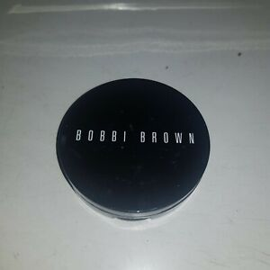 Bobbi Brown Illuminating Bronzing Powder Bronzer - 5 Bali Brown. Swatched
