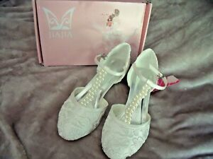 NEW Women 9.5 Bridal Shoes Closed Toe T-Strap 1.8'' Low Heel IVORY Lace Pearls