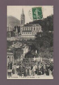 LOURDES - la grotte et la basilique (D124)