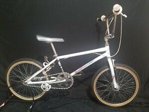 VINTAGE OLD SCHOOL BMX BIKE SCHWINN PREDATOR FREEFORM EX 1985