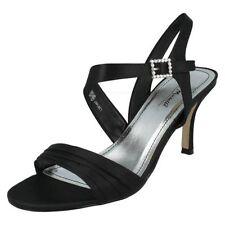 Sandali e scarpe slim nero di sera per il mare da donna