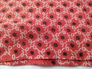 """vintage poly polyester CREPE FABRIC red black print 3.5 yd x 36""""w quality new"""