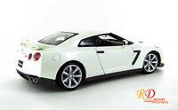2009 NISSAN GT-R R35 PEARL WHITE 1:18 DIECAST MODEL CAR BY BBURAGO 12079