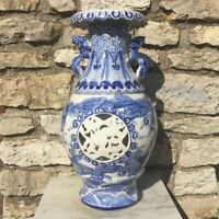 Grand vase porcelaine de chine ajouré, bleu et blanc, art déco vintage