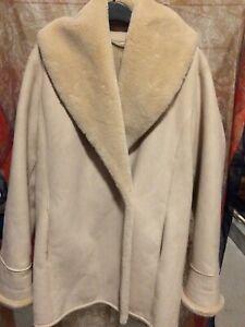 Jaeger Fully 9fleece/fur lined) winter snug coat. Size 10.