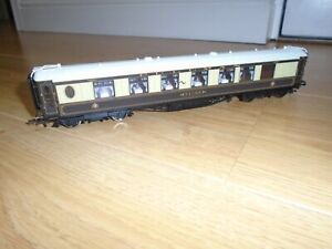 Pullman Niobe Coach with Illuminating Interior Lights for Hornby OO Gauge Sets