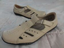 DR SCHOLLS Double Air-Pillo~Beige LEATHER Fisherman Style MARY JANE 11W Low Heel