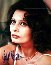 Sophia Loren signed lovely 8x10 photo / autograph