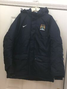 NEW NIKE MCFC MANCHEST STORM - FIT REMOVEABLE HOODED ISULATED COAT JACKET SIZE M
