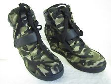 NWOT Forever Ladies Camo High Top Wedge Heels Lace Up Casual Sneakers Size 5.5