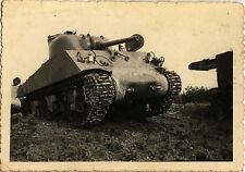 PHOTO ANCIENNE - VINTAGE SNAPSHOT - CHAR M4A3 SHERMAN USA MANOEUVRE - TANK WW2