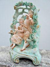 Vase biscuit Louis XVI Marie Antoinette articulé d'époque 19ème