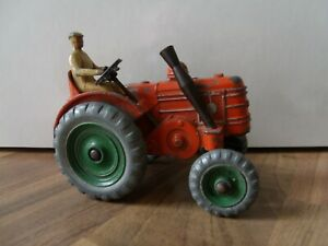 """SPARE ROOM FIND RARE DINKY 301 """"FIELD MARSHALL"""" TRACTOR METAL WHEELS & DRIVER"""