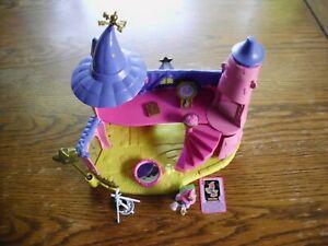 1 Filly Figuren und Hexenhaus mit Batterie, Zauberstab