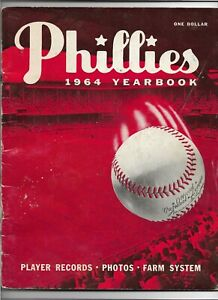 """1964 PHILADELPHIA PHILLIES 1ST EDITION YEARBOOK VERY GOOD """"6 1/2 UP 12 TO GO"""""""