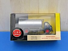 Vanguards VA7002 1/64 Bedford S Type Tanker - Pickfords Special Limited Edition